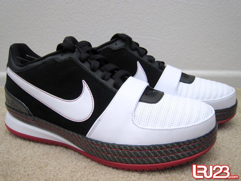aabf1808834c3 ... Black White-Varsity Red. Nike Zoom LeBron VI Low BlackWhiteVarsity Red  New Photos ...