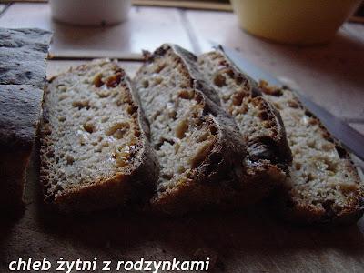 Weekendowa piekarnia #50: Chleb żytni z rodzynkami