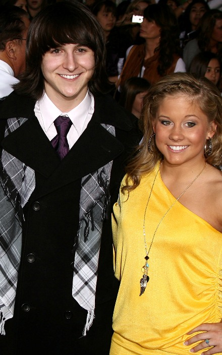 Is Mitchel Musso dating Shawn Johnson