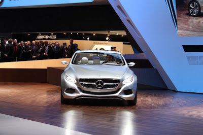 Mercedes-Benz F 800 Style concept-02.jpg