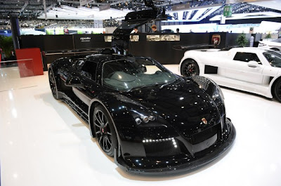Gumpert Apollo S-08.jpg