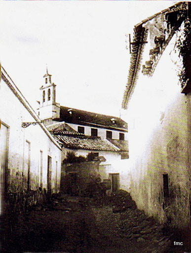 Espadaña y nave del Convento de Santa María de Gracia, desde la calle Polichinela.