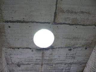 明かり取りの穴
