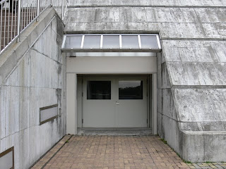 堤体直下からの堤体内ギャラリーへの入り口