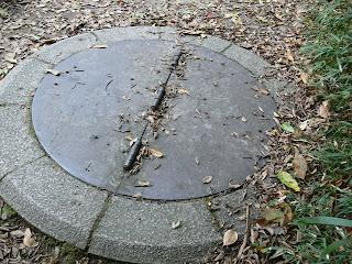 「暗渠引水」と呼ばれる水路の蓋