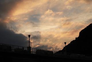 黒部ダムの夕暮れ