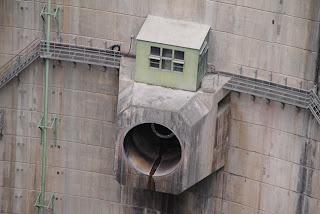 ハウエルバンガーバルブ(補助放水設備)
