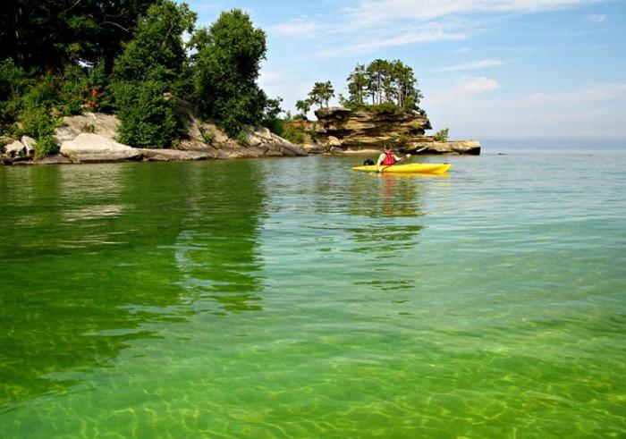 بحيرة هيورون في امريكا lakehuron42.jpg?imgm