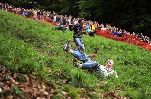 cheese-rolling (2)