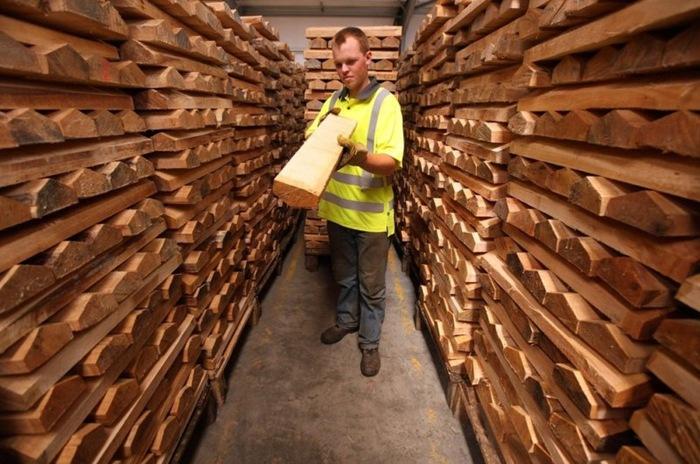 Inside A Cricket Bat Manufacturing Workshop Amusing Planet