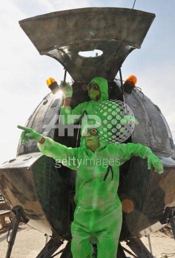 fake-aliens (6)