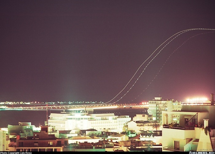 long-exposure-airplane2