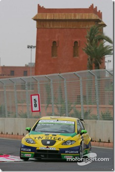 30.04.2010 Marrakech, Morocco, Gabriele Tarquini (ITA), SR - Sport, SEAT Leon 2.0 TDI - WTCC, Marrakech, Morocco, Rd. 05-06 - www.xpb.cc, EMail: info@xpb.cc - copy of publication required for printed pictures. Every used picture is fee-liable. © Copyright: Photo4 / xpb.cc - LEGAL NOTICE: THIS PICTURE IS NOT FOR ITALY