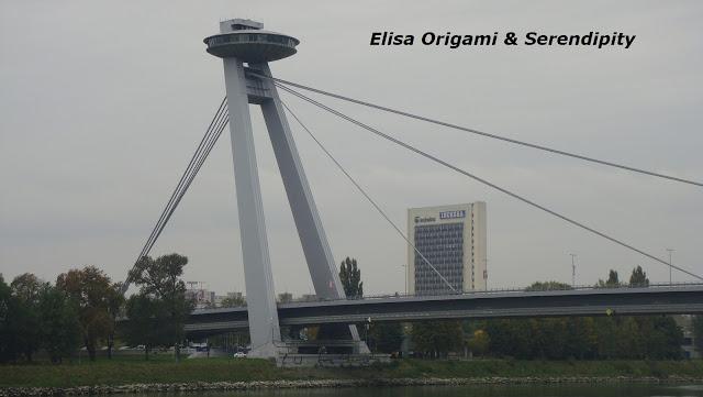 UFO, Mirador Puente Nuevo, Bratislava, Elisa N, Blog de Viajes, Lifestyle, Travel
