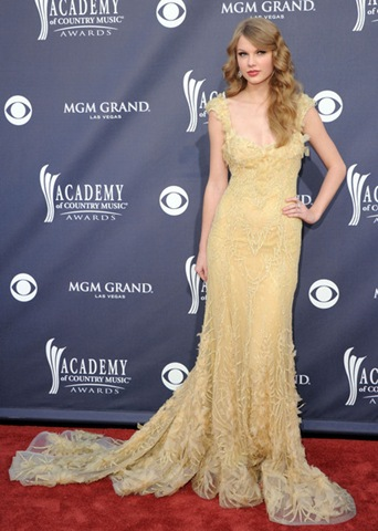Taylor Swift arrives at the 46th Annual Academy Of Country Music Awards