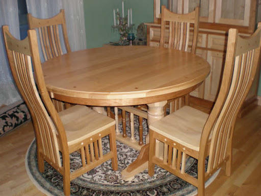"60"" Round Riverside Table and Western Dining Chairs in Mixed Wood"