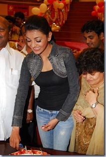 kajal_agarwal_at_rs_brothers_anniversary