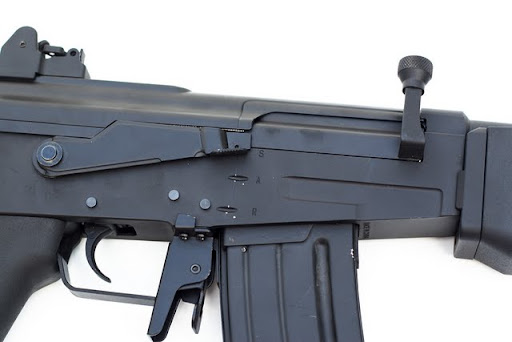 Airsoft Guns,cybergun, galil sar, airsoft aeg, pyramyd air, adjustable rear sight, israeli weapon industries, Israeli military industries, fire selector, semi, full auto, safety