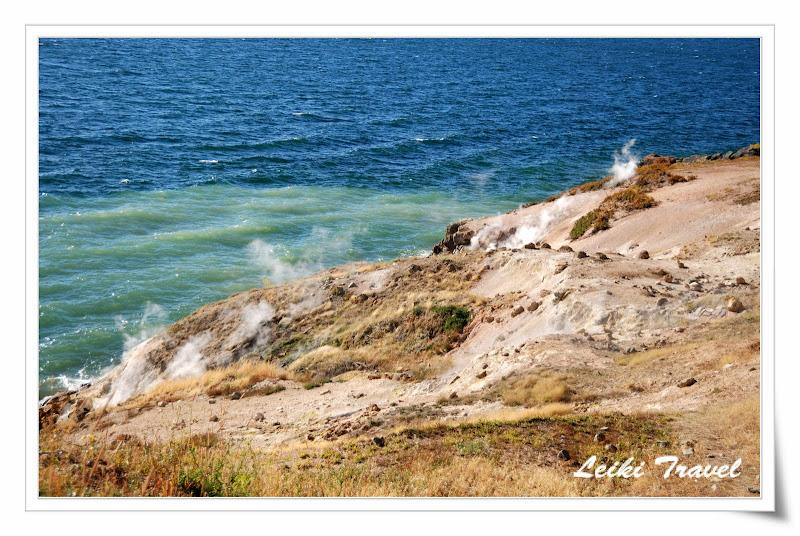 Yellowstone Lake beach 黃石湖