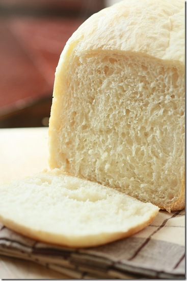 Bread Recipe for Bread Maker - Just toss all ingredients in and set the timer. This recipe can not be simpler, while the bread can not be more delicious!