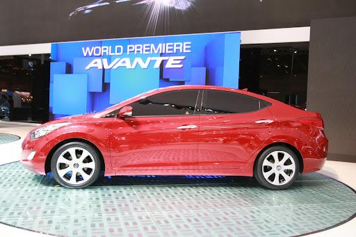 2011-Hyundai-Elantra-17.JPG
