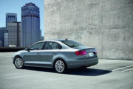 2011-Volkswagen-Jetta-7.jpg