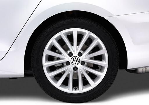 2011-Volkswagen-Jetta-21.jpg