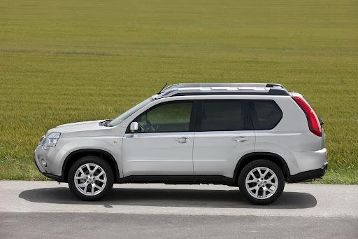 2010-Nissan-X-Trail-19.JPG