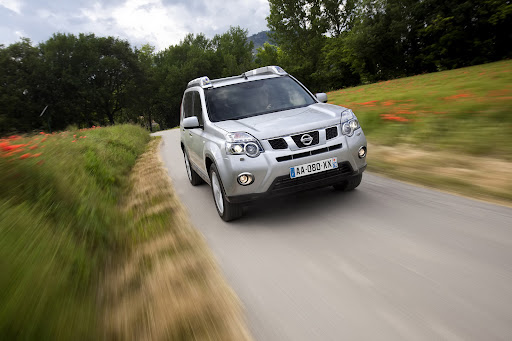 2010-Nissan-X-Trail-23.JPG