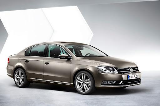 2011-Volkswagen-Passat-B7-4.jpg