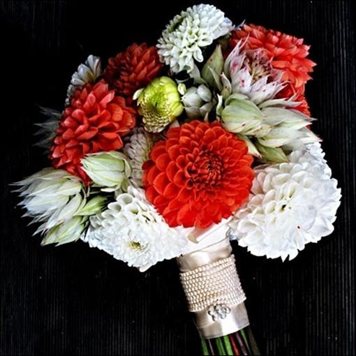 091709-fallflowers1-400 InStyle Weddings