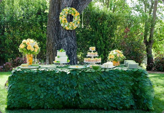 Lemon Leaf Tableclothes from  Pacific Coast Evergreen
