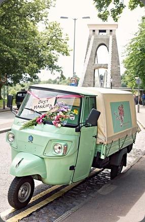 van Bella and Fifi  florist UK001