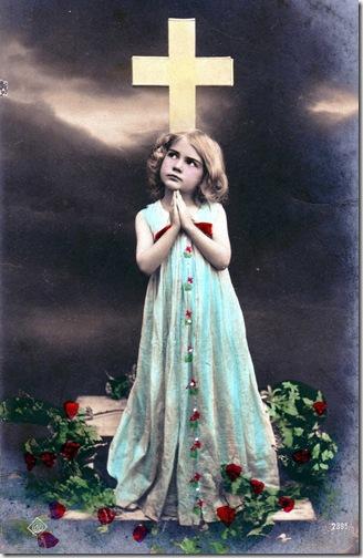 fotos antiguas de niños manos juntas en oración