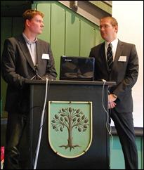 Dirk-Jan Dolfing (l) en Bastian Gillner, de aanstormende generatie archivarissen