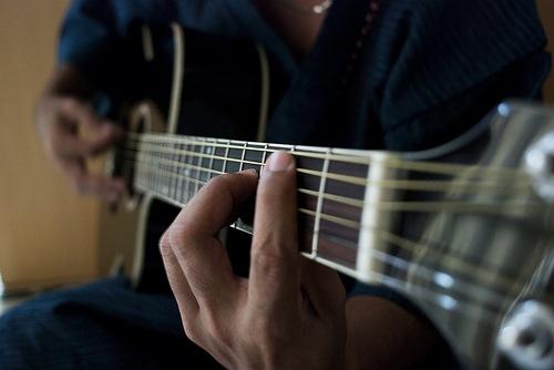 [guitarplayer3.jpg]