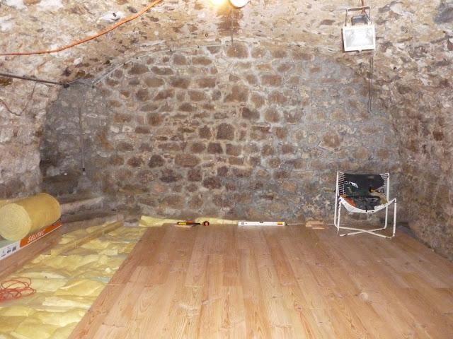 salle d di e dans cave vo t e 29914665 sur le forum. Black Bedroom Furniture Sets. Home Design Ideas
