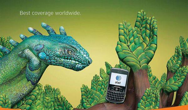 23 creative ads by AT&T [hand-modelling advertisements] - Green reptile
