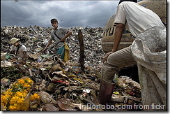 Burma children looking for food in Garbage _DSC8852 by Rusty Stewart @ Flickr