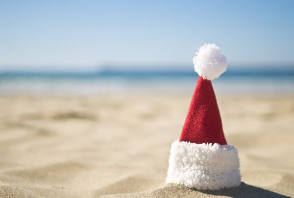 draft_lens2278636module63524832photo_1255747258santa-hat-beach6001