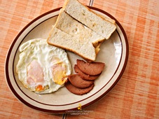 Luncheon Meat Breakfast at El Ideal