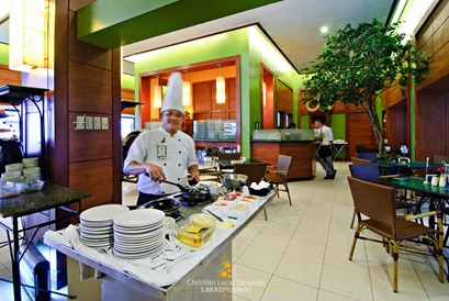 The Hotel Chef at The Business Inn's Breakfast Buffet
