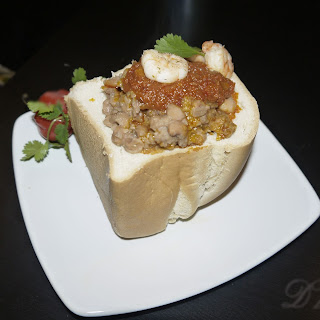 Beans in pepper stew – Bunny Chow style