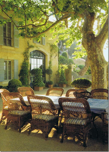 This Is Another Version Of A Wicker Chair That I Love. And Itu0027s Used How  Most People Think Wicker Should Be U2013 Outside. This Latest Wicker Trend, ...