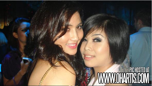 Gambar Disco Fasha Sandha Hisap Rokok   Arak! 5042ac570d