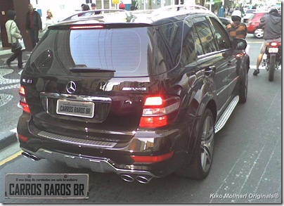 Mercedes Benz ML63 AMG (1-1)[1]