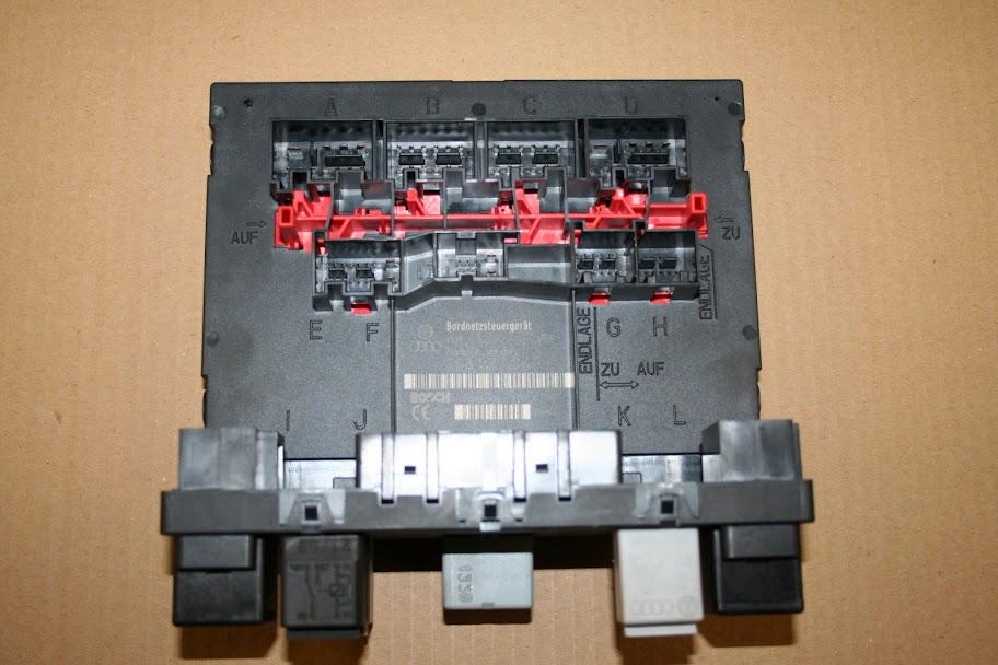Golf 5 EOS Passat Bordnetzsteuergerät 3C8937049D