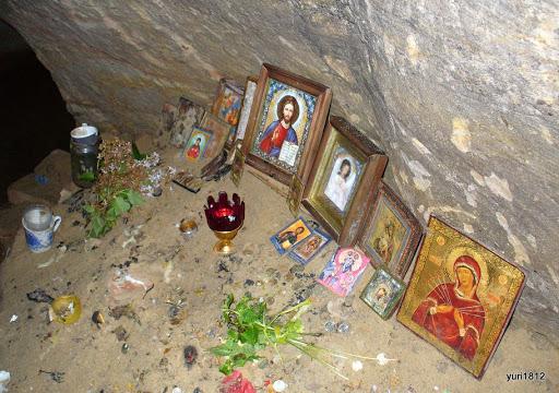 Успенский собор и Доложская пещера в селе Заручье Assumption Cathedral and Dolozhskaya cave in the village Enlist фото yuri1812