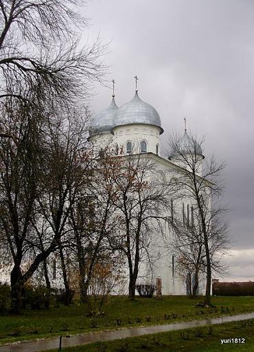 Фотография на Юрьев день Георгиевский собор - главная святыня Юрьева монастыря (1119 г.) фото yuri1812