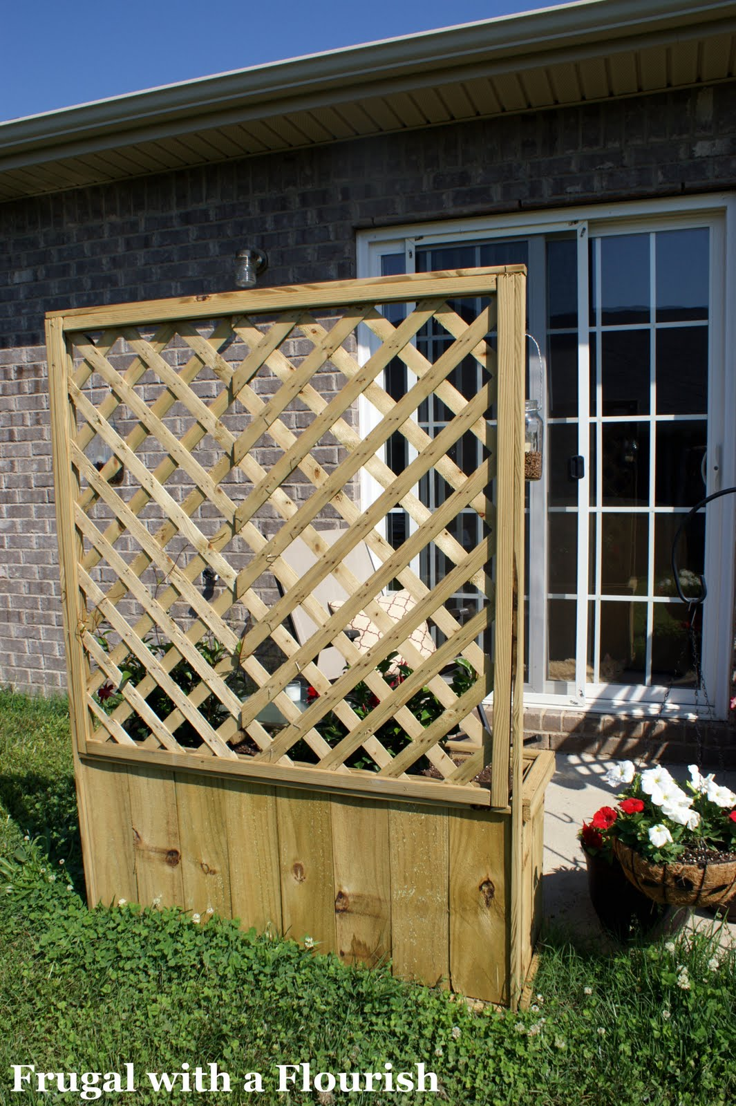 How To Build Lattice Planter Box on A Frame Building Plans